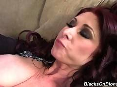 Ebony fucker is drilling her shaved pussy